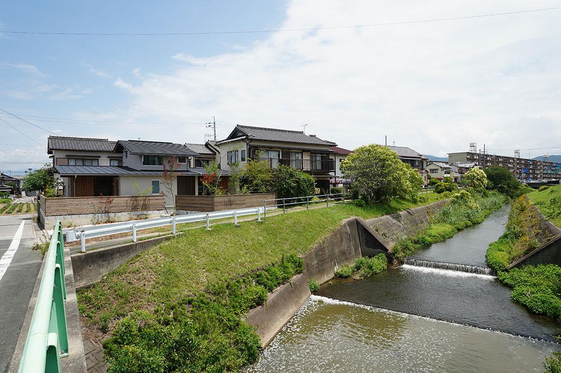 中岩田の家 遠景